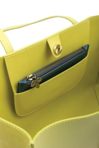 B8383 3 - Lime Tote bag with purse and Bee - B8383
